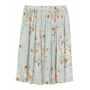 H&M Light Green Floral Pleated Skirt